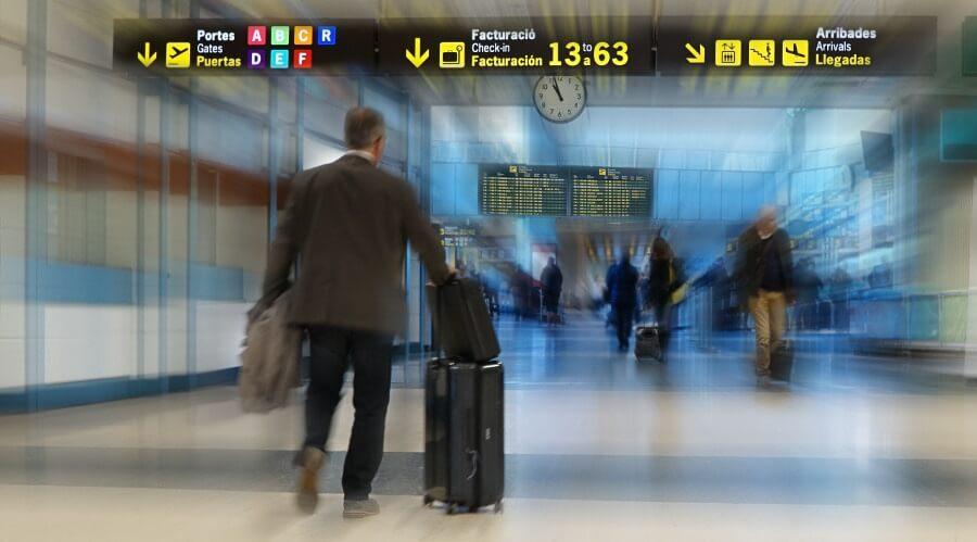 Extranjeros irregulares en Chile - expulsión del país - visa de trabajo