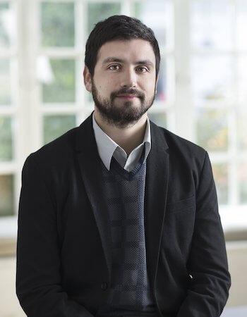 Perfil-Víctor-Arroyo